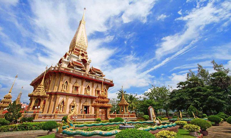 пагода Чеди Пхра Махатхат в храме Чалонг
