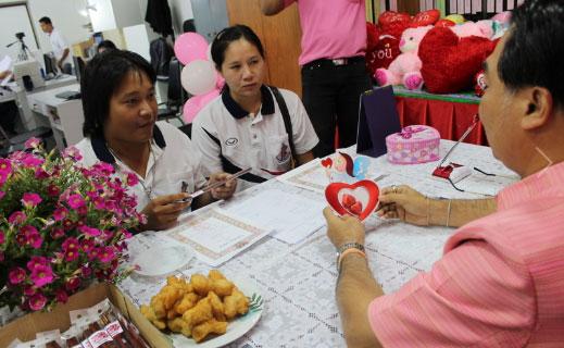 На Пхукете в День Св. Валентина расписались 187 пар