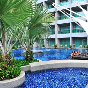 Отель The Kee Resort & Spa