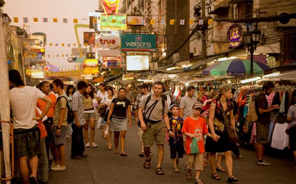 туристы в Таиланде