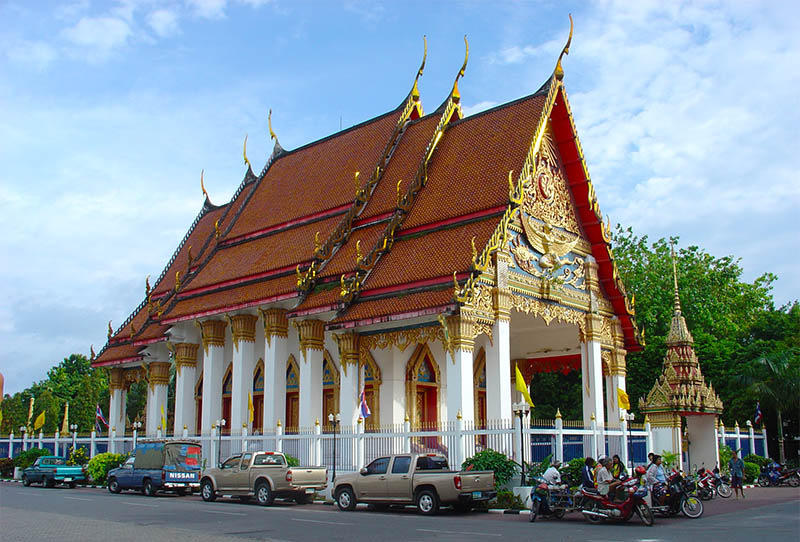 храм Wat Mongkol Nimit